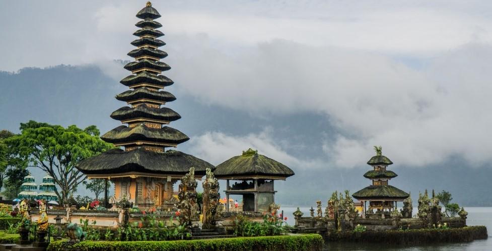 Sejarah Dan Perkembangan Bidang Pariwisata di Indonesia